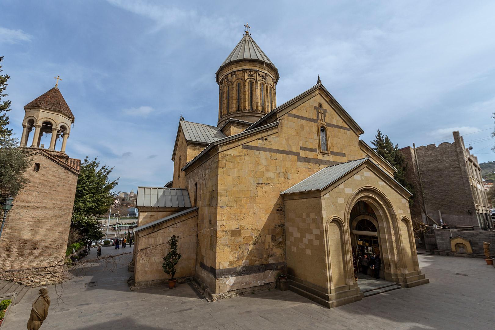 tiflis-kilise-2