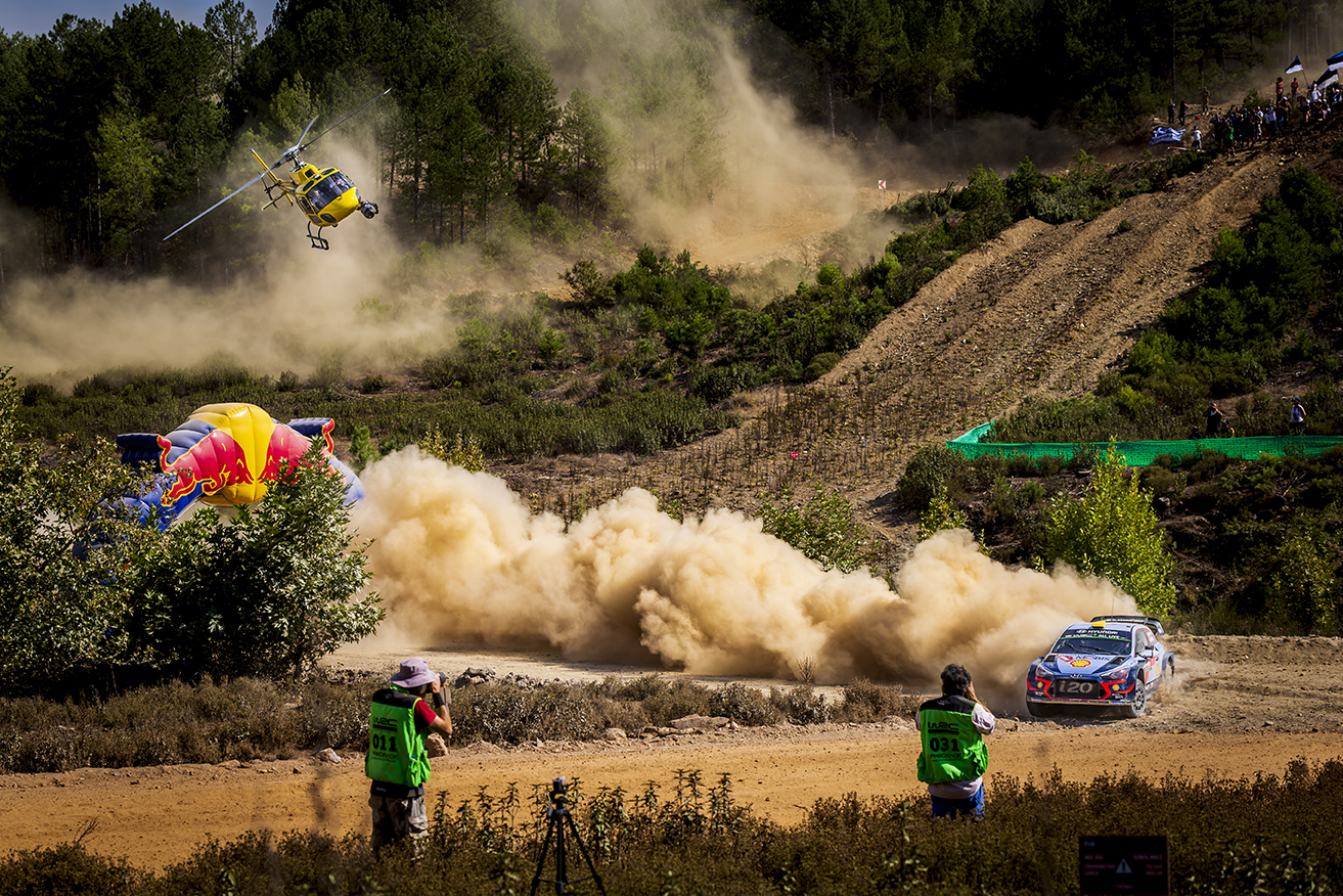 wrc_rally_turkey_neuville_hyundai_helicopter